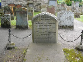 Burns' father's grave